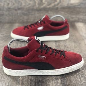 best service 4db3b 4b2ab Puma Suede Red and Black